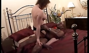 milf cums enduring and squirts mainly bbc