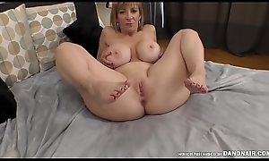 Sara Jay'_s squirting pussy watchman on the alert for some cock!