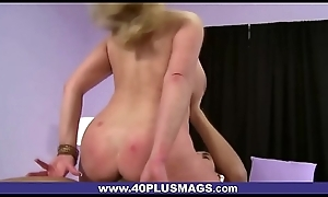 Fat-ass Mature Kirmess Fucked Doggy position