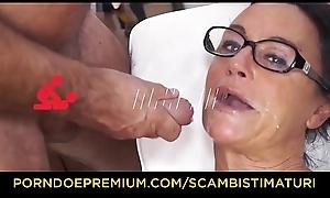SCAMBISTI MATURI - Chubby tattooed blonde lady butt screwed by stud-horse