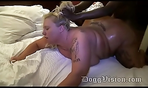 Foxy Kitty Barebacked at Motor hotel Team fuck