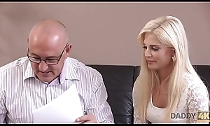 DADDY4K. Charming Candee dreams to be hung up on dad of her bf