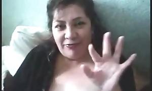 se masturba con su sex tool