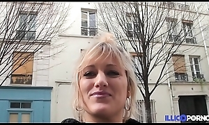 Bonne milf blonde bang devant young gentleman mari, pour Noël [Full Video]