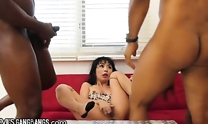 Organize be advantageous to sex-crazed black stallions bang petite Asian lady