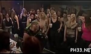 Unconforming line sex